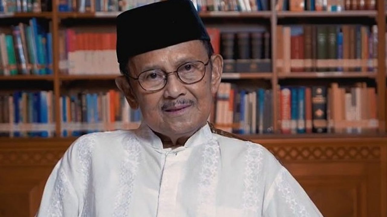 Habibie: 3 Remarkable Lessons You Can Learn from An Enlightened Islamic National Leader.