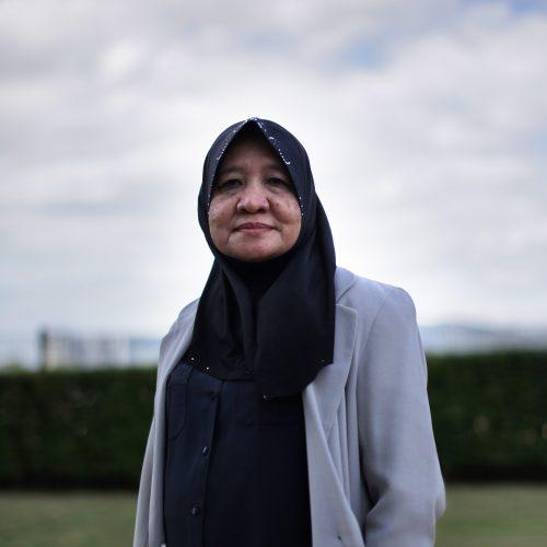 Professor Dr. Amriah Buang
